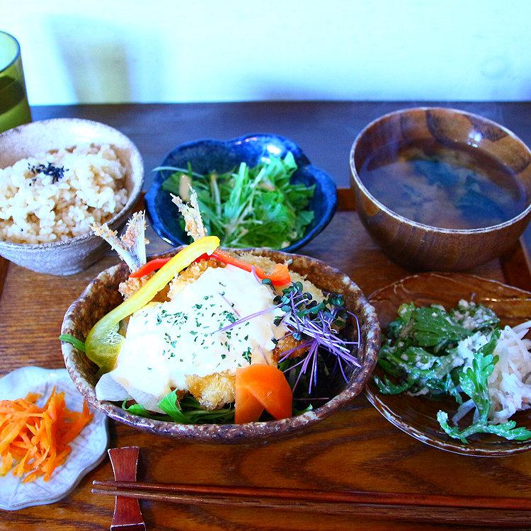 PUBLIC KITCHIN cafe 吉祥寺店