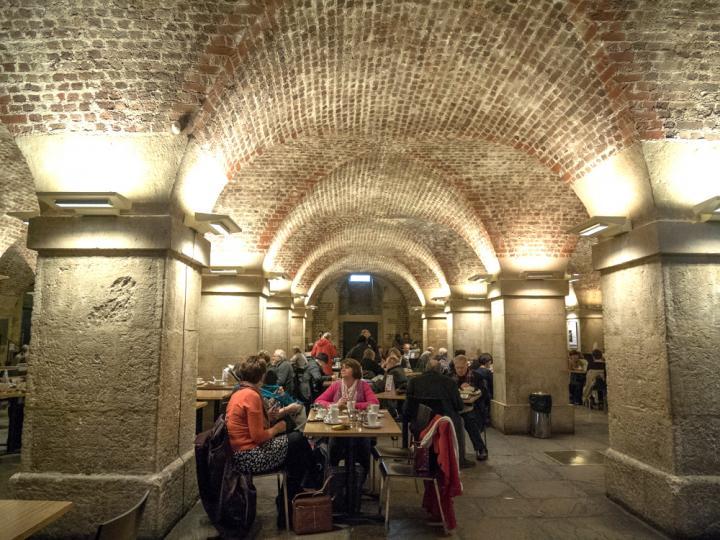 ことりっぷロンドン発 地下聖堂を利用したモダンなカフェ