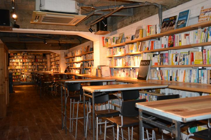 ことりっぷおいしいお酒を飲みながら読書を楽しめるBOOK CAFE 5選