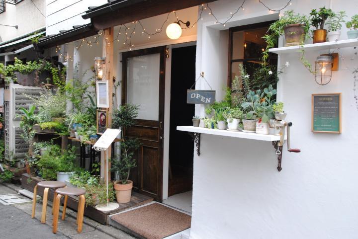 北千住の裏路地にある古民家カフェ「cafe・わかば堂」で ...