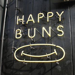 HAPPY BUNS